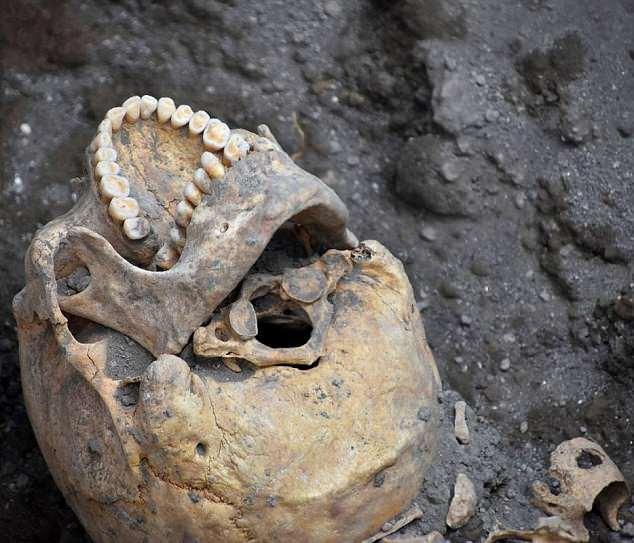 lebka Pompeje